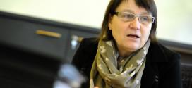 Ochránkyně práv upozornila na problémy spříspěvkem na péči